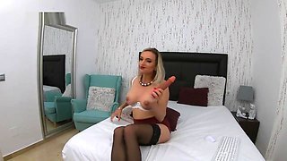 4k kate vixxen slutty milf secretary sucking off her boss