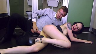 Skinny alt girl Alessa Savage drilled by a huge dick