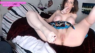 Flexible housewife fucks and teases her bald tight pussy