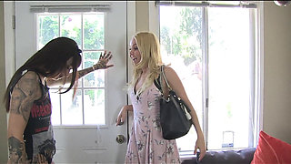 Housewife Dominated By Hardcore Lesbian