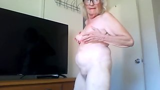 Does anybody know this blonde granny name?