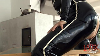 Extreme pussy stretching with giant dildo