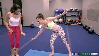 Sporty flexible yoga beauty Harmony Wonder is ready to work on wet pussy