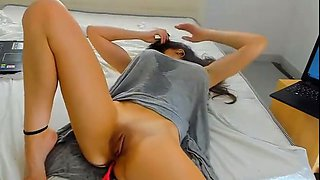 horny mommy has amazing orgasm on webcam