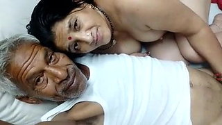 Desi Mature Aunty With Dadaji 3
