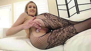 Blonde Mazzy Grace shoves a dildo up her asshole