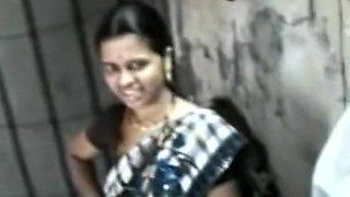 Beautiful Slut Aunty In Saree Fucked