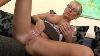 junior guys fuck sexy blonde milf