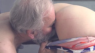 Old guy slides his prick in orgasmic pussy of sexy Candy Red