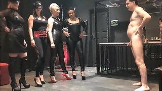 4 mistress prendono a calci nelle palle Andrea DiprГЁ